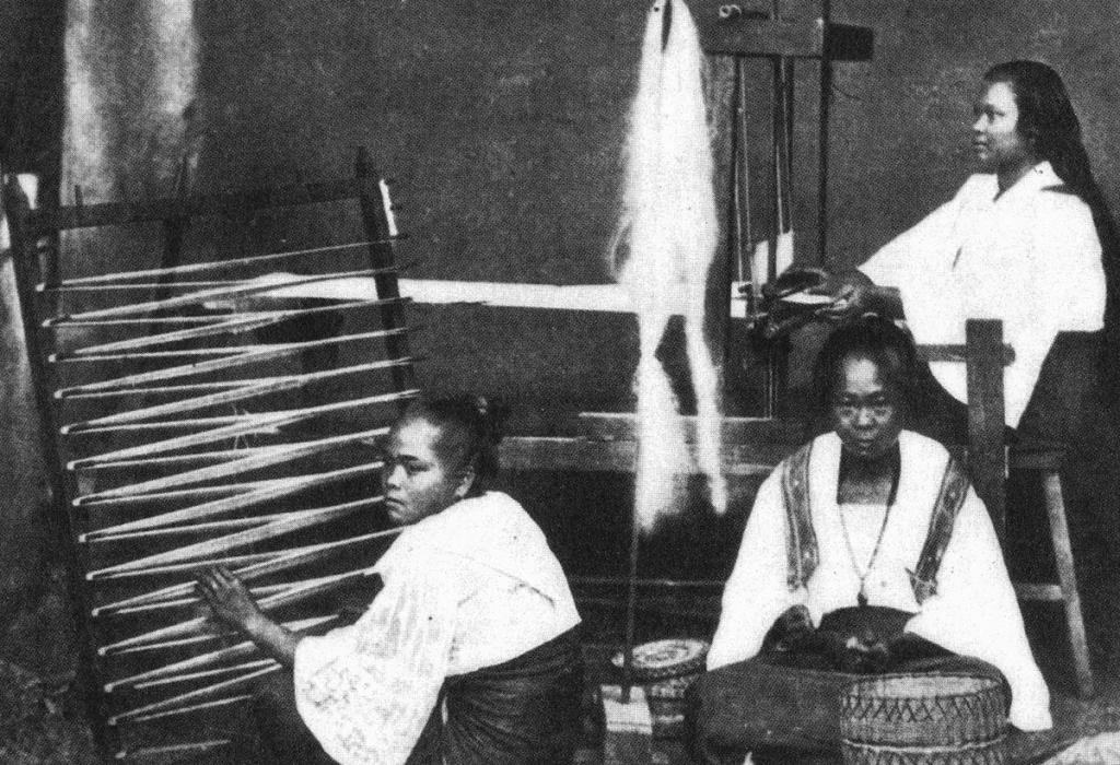 Piña-Visayan-Weavers